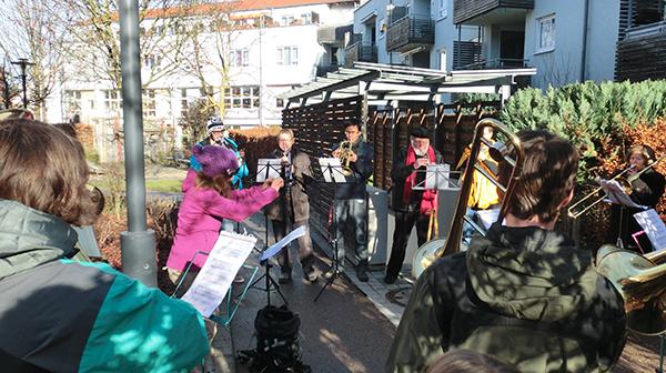 Im Weberviertel freuen sich viele Söflinger auf unser Weihnachtsständchen...